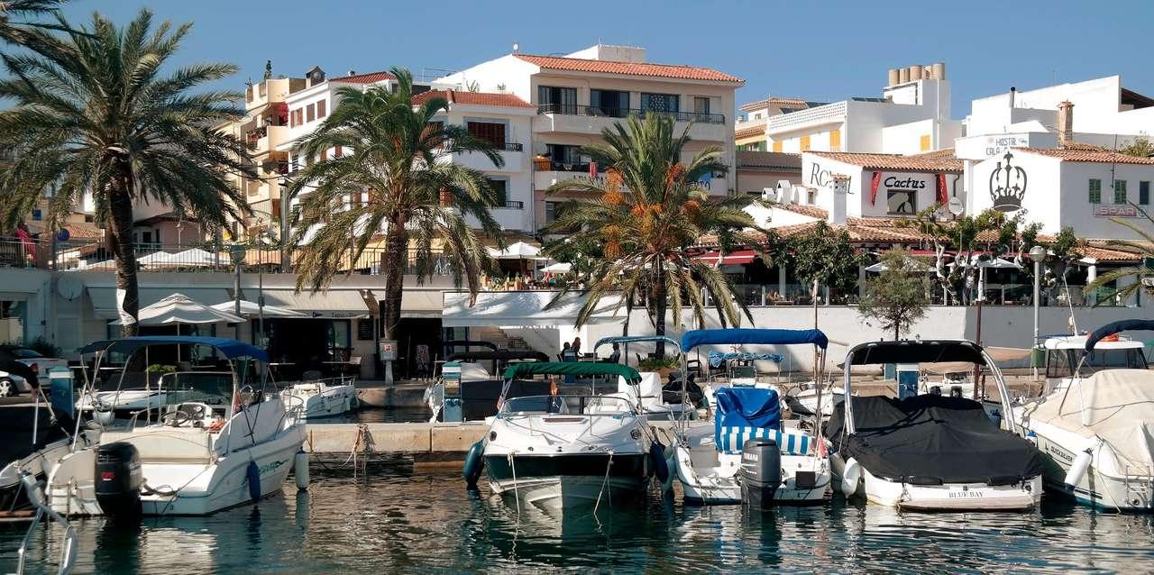 Yates en el puerto de Cala Ratjada (España) rompecabezas en línea