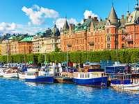 Barche in banchina a Stoccolma (Svezia)