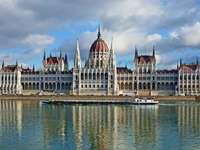Parlament v Budapešti (Maďarsko)