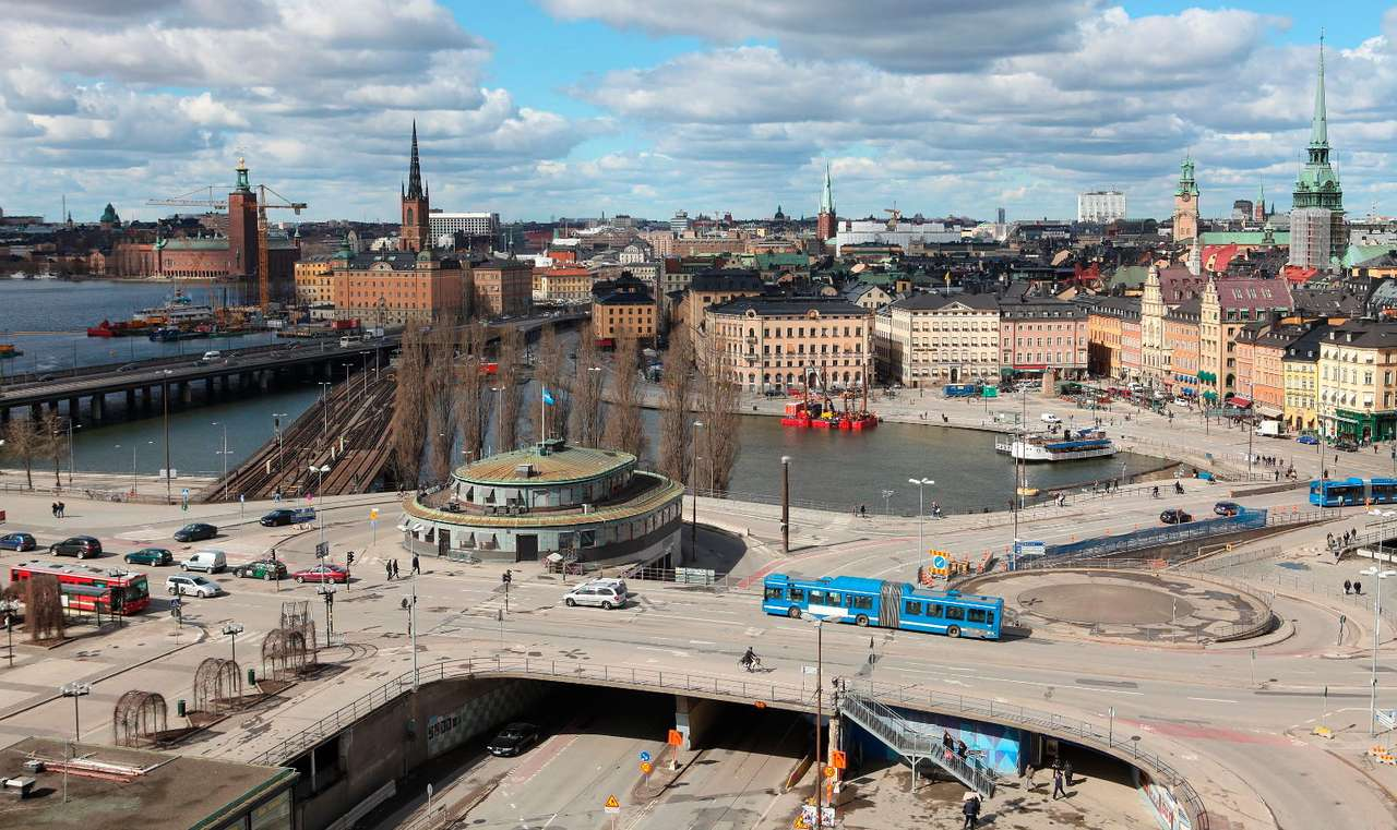 Panorama of Stockholm (Sweden) - Stockholm is a unique city because of the attitude of its inhabitants towards each other. Foreign visitors to the city immediately notice the lack of curtains or blinds in the windows. The Swedes beli (13×7)
