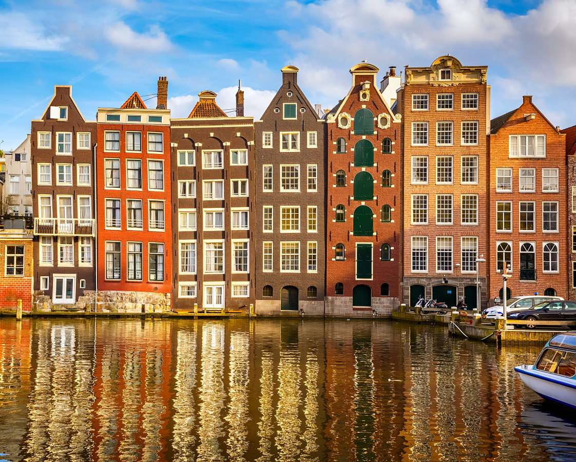 Amsterdam (Netherlands) - Amsterdam is the constitutional capital of the Netherlands and the city called the Venice of the North due to the network of one hundred and sixty canals as well as the river Amstel. Most canals were (11×9)