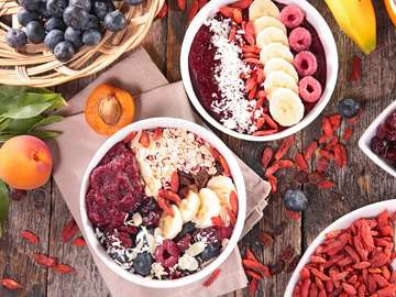 Sweet porridge with Goji berries