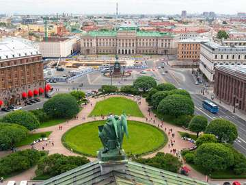 Square in front of Saint Isaac's Cathedral in Saint Petersburg (Russia)