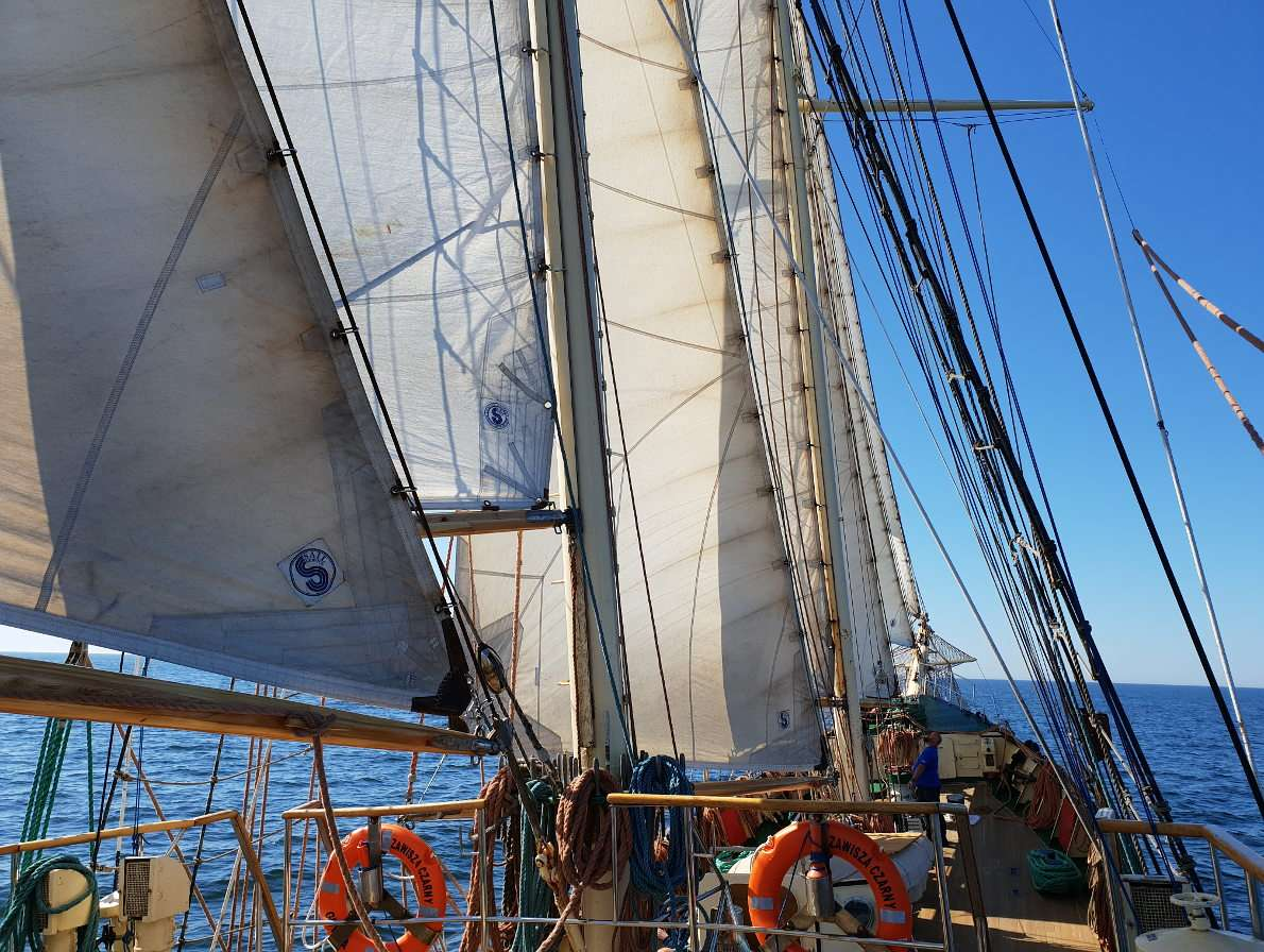 Sails of Zawisza Czarny - Zawisza Czarny is a nearly seventy-year-old schooner. Since July 1961 it has been serving in the Polish Scouting and Guiding Association. The vessel is almost forty-three meters long and has a 390 hor (10×8)