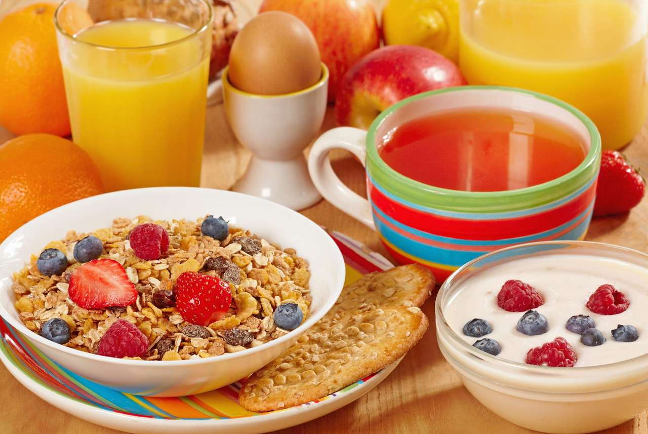 A bowl of muesli with fruit - Breakfast is the most important meal of the day – the product we eat should provide us with energy until the evening. Nutritious and healthy breakfast not only provides us with a proper amount of en (14×9)