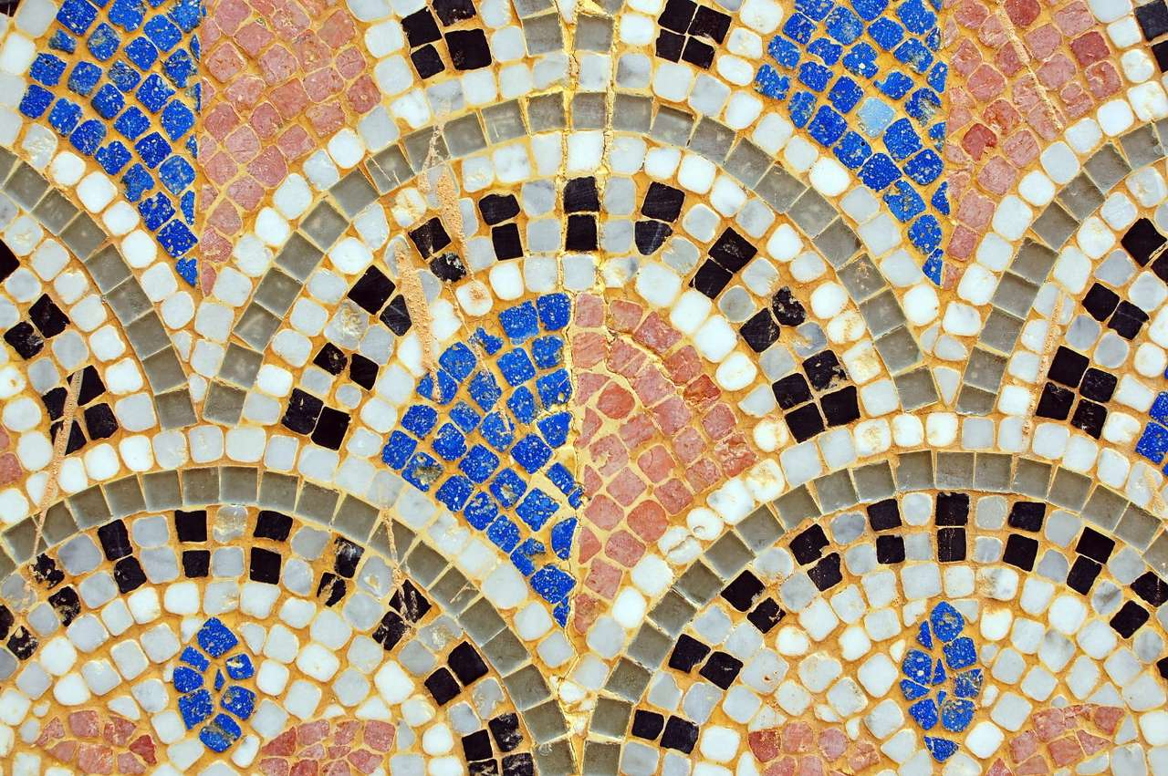 Mosaic from the city of Agadir (Morocco) - Agadir is a coastal city located in southern Morocco, known primarily for its beautiful beaches and bustling bazaars. Since the beginning of the 1990s, the city is still under construction, because th (19×13)