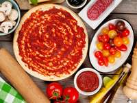 Ingredienti per preparare la pizza