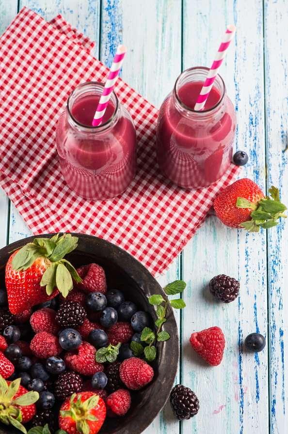 Коктейл от горски плодове puzzle from photo