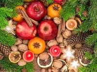 Materiais para preparar decorações de Natal