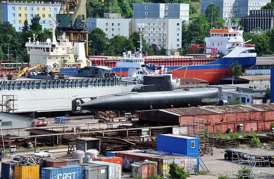 Black submarine ... puzzle