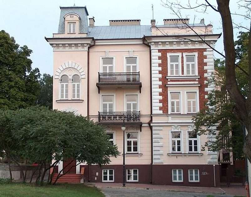 IFA in Płock - Schule (9×7)