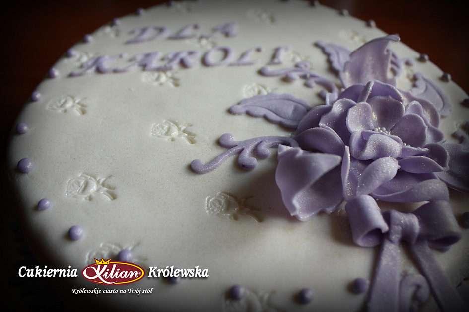 presentkakor - En tårta är en bra presentidé. Speciellt de speciella, gjorda på beställning på Royal Patisserie (5×3)