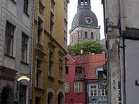 Calle de Riga capital de Letonia