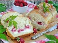 Ciasto serowo-malinowe