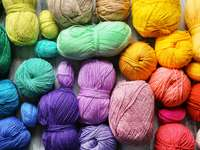 Цветна прежда