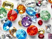 Színes kristályok
