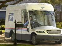 Új postai teherautó